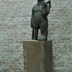 Erik Buijs - Waldriese, brons en eik, ca 180cm